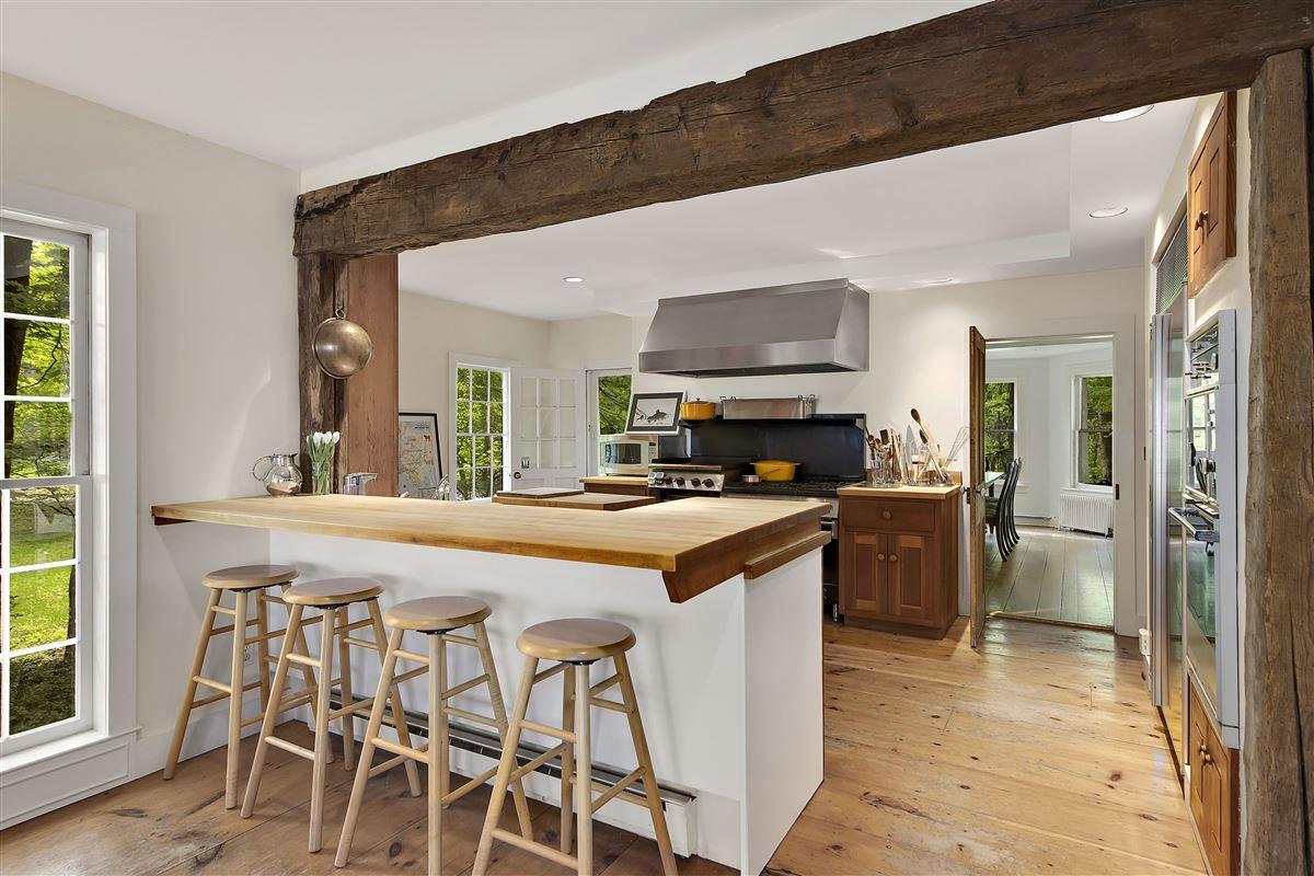 Wonderful quintessential farm house luxury homes