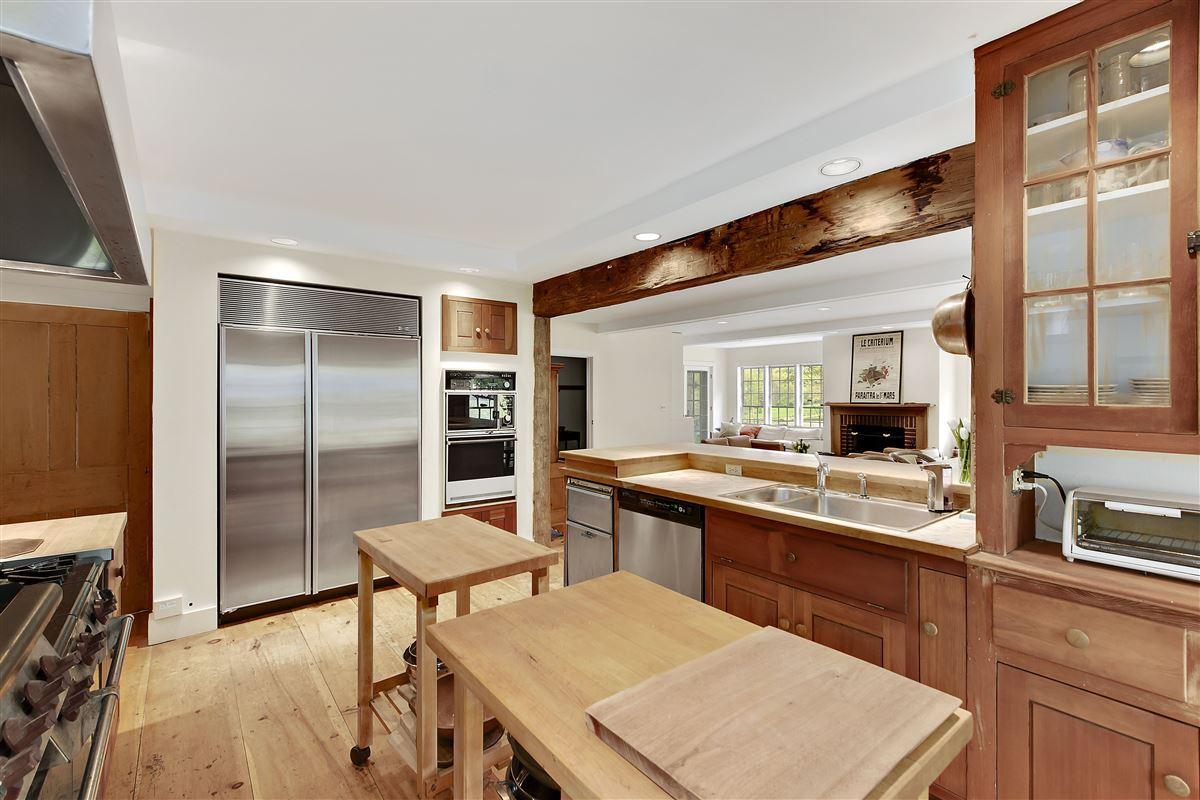 Wonderful quintessential farm house luxury real estate