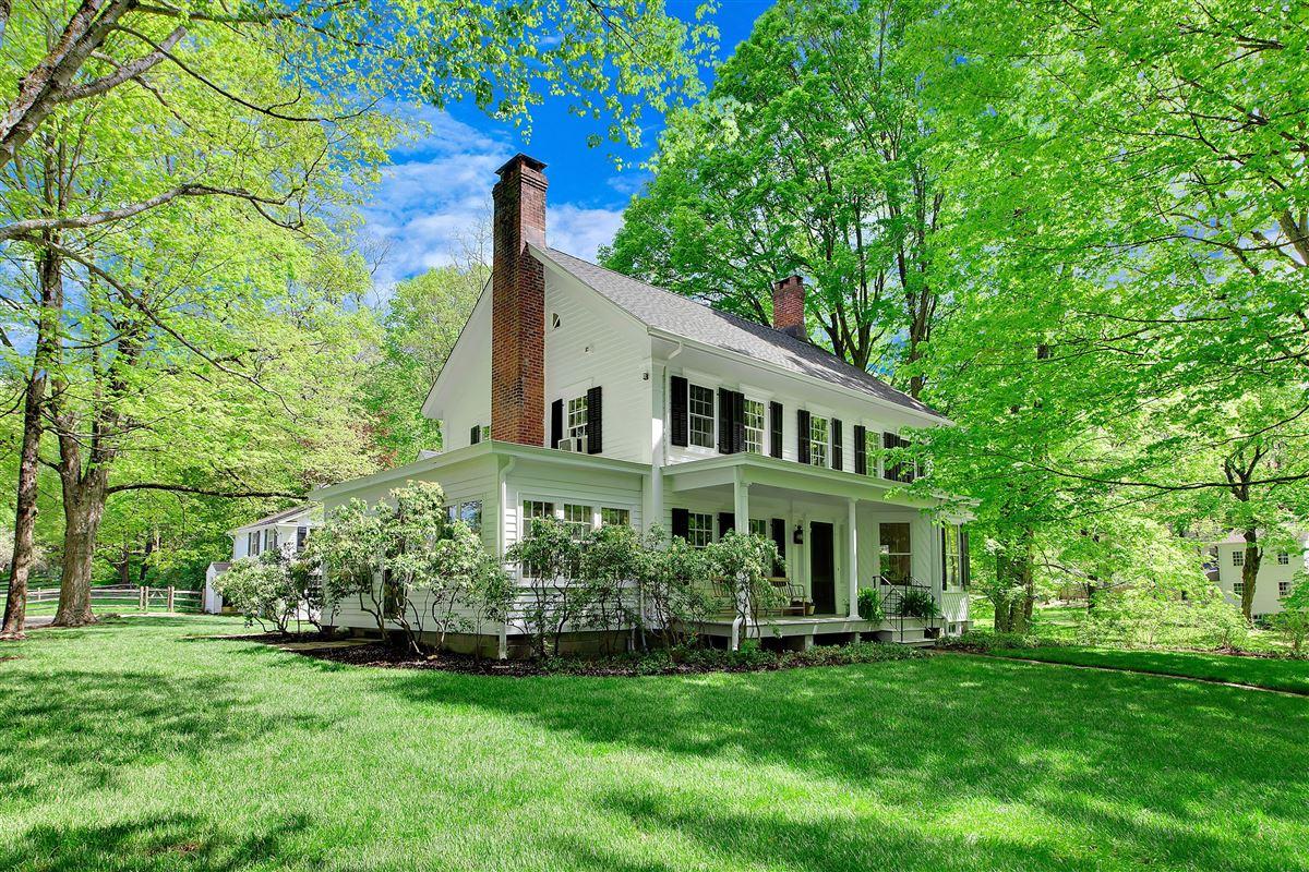 Mansions Wonderful quintessential farm house