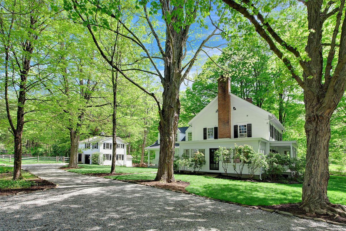 Wonderful quintessential farm house mansions