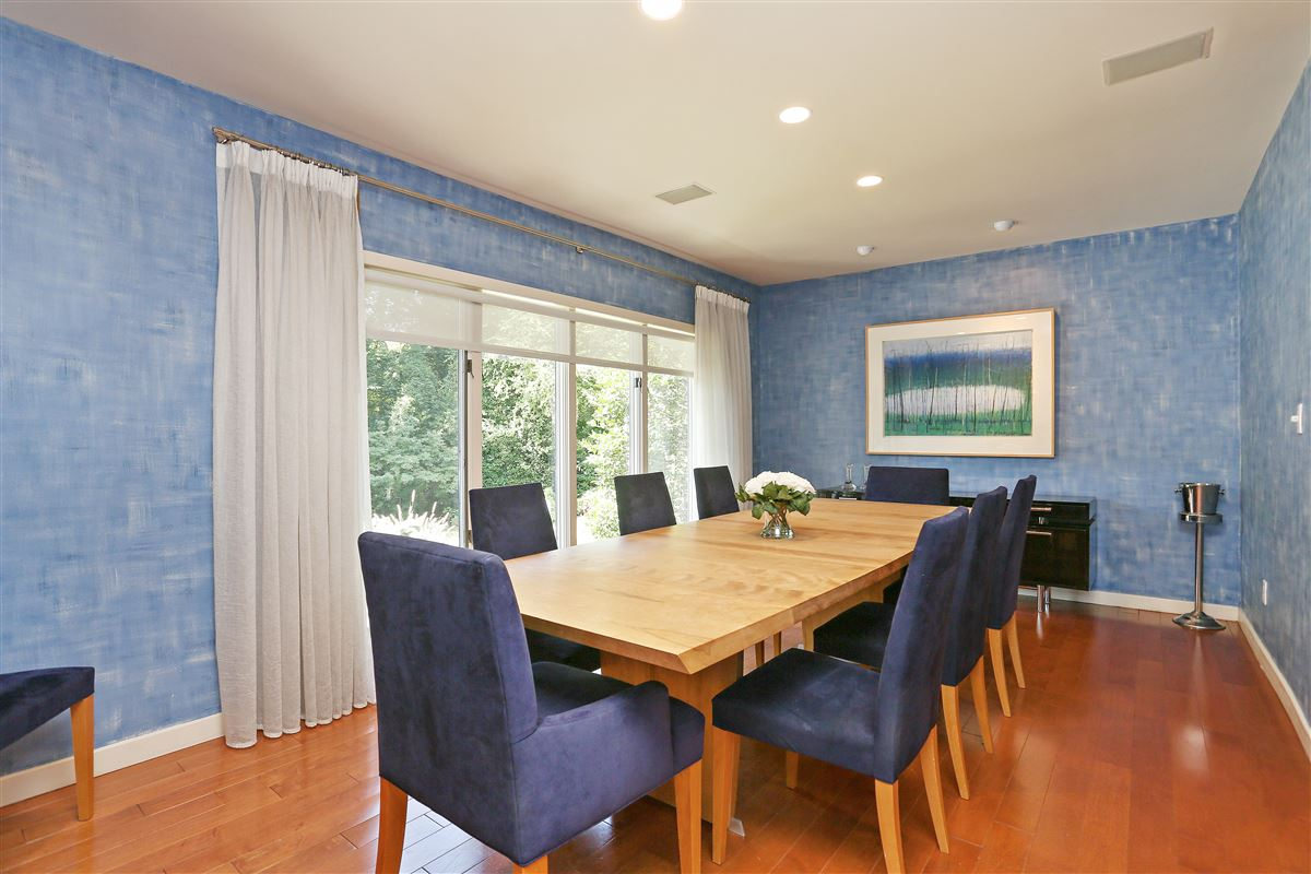 Luxury homes Scarsdale private sanctuary