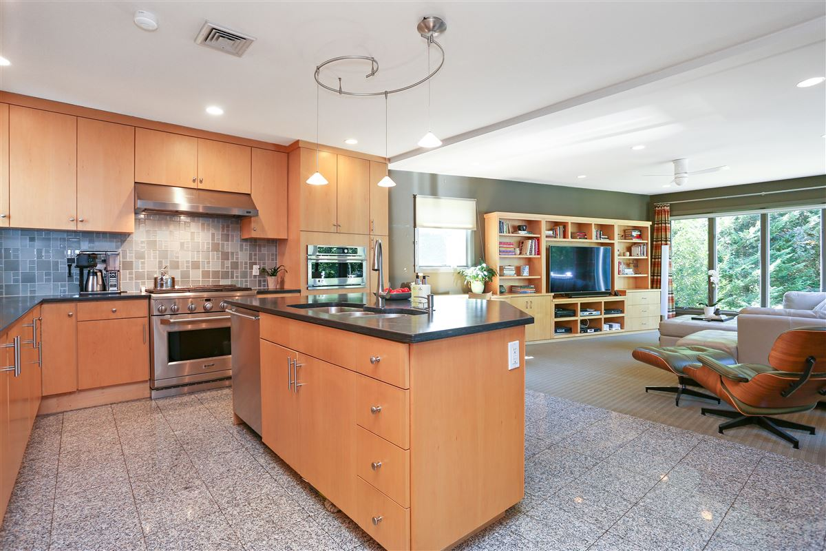 Luxury real estate Scarsdale private sanctuary