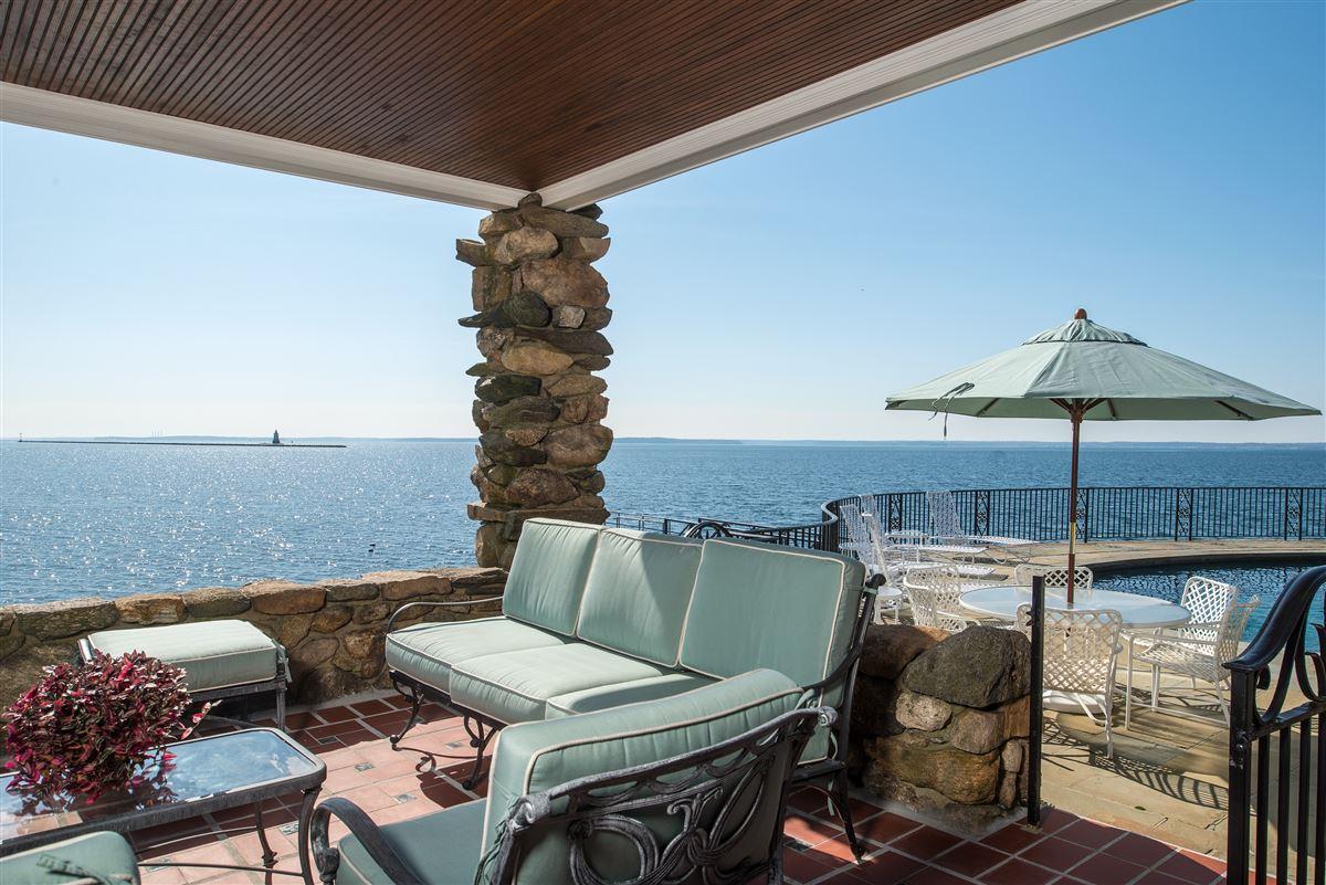 Luxury homes Rocklyn