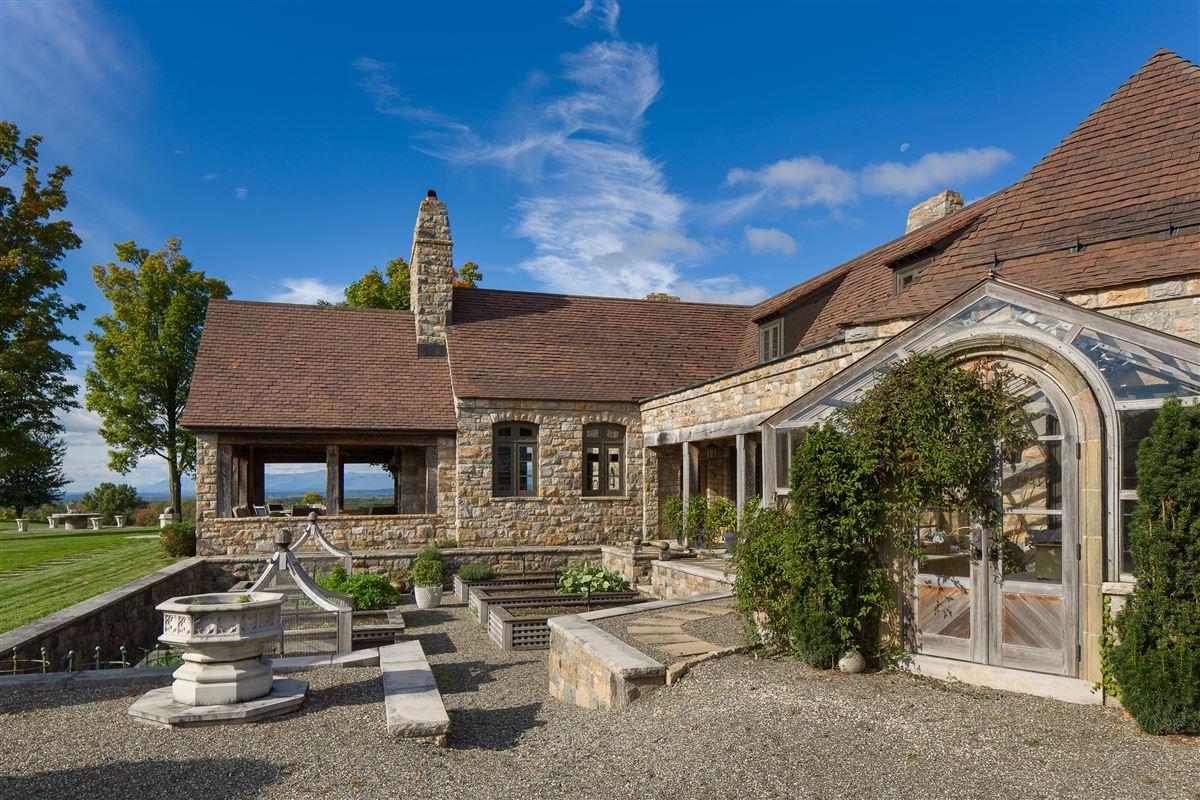 Luxury homes Folly Farm