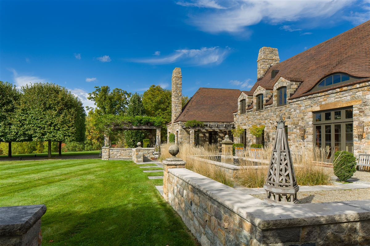 Mansions French-style estate on 90 acres in Kinderhook