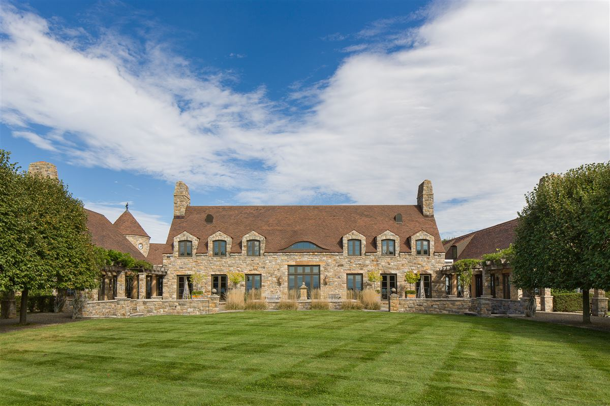 French-style estate on 90 acres in Kinderhook mansions