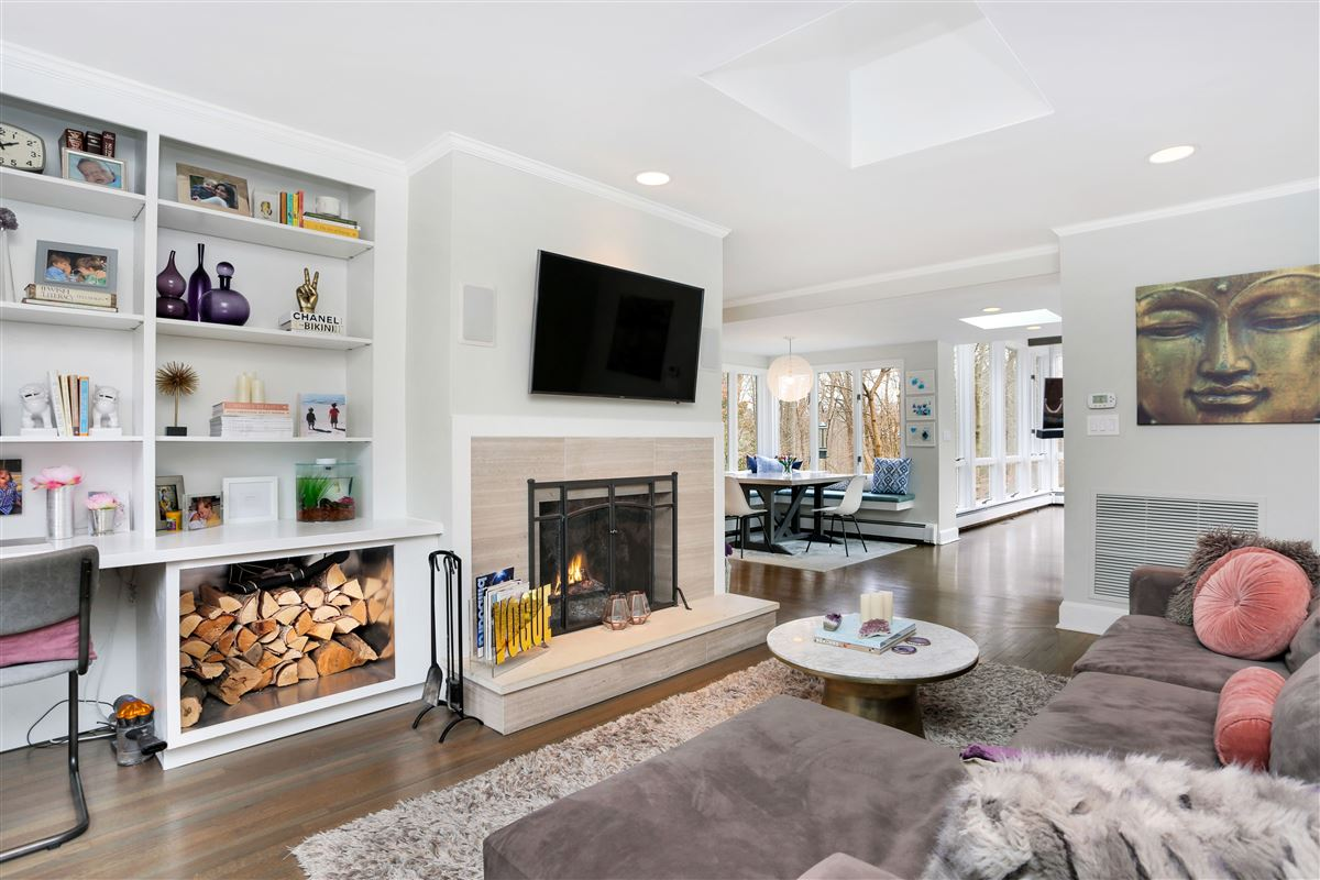 Luxury real estate hip and stylish Colonial