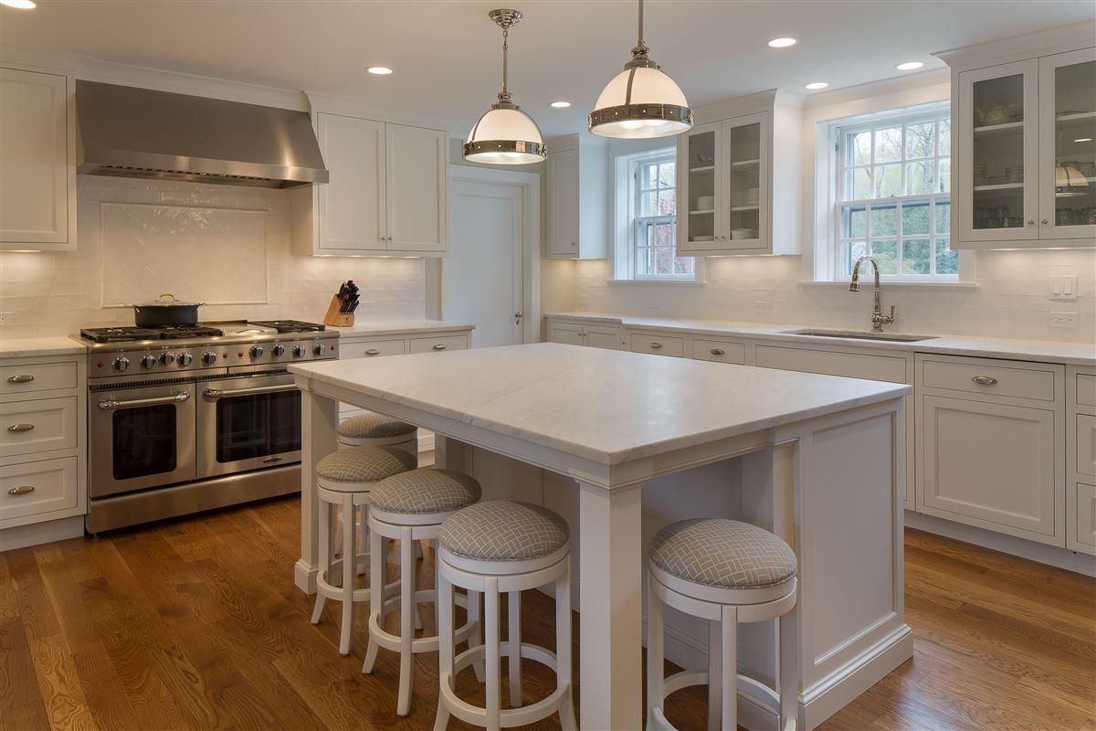 Luxury properties impressive English-style stone and shingle Country Estate