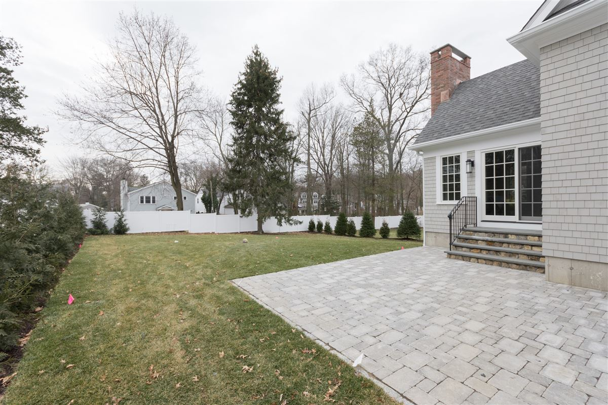 Luxury properties  nantucket style colonial in darien