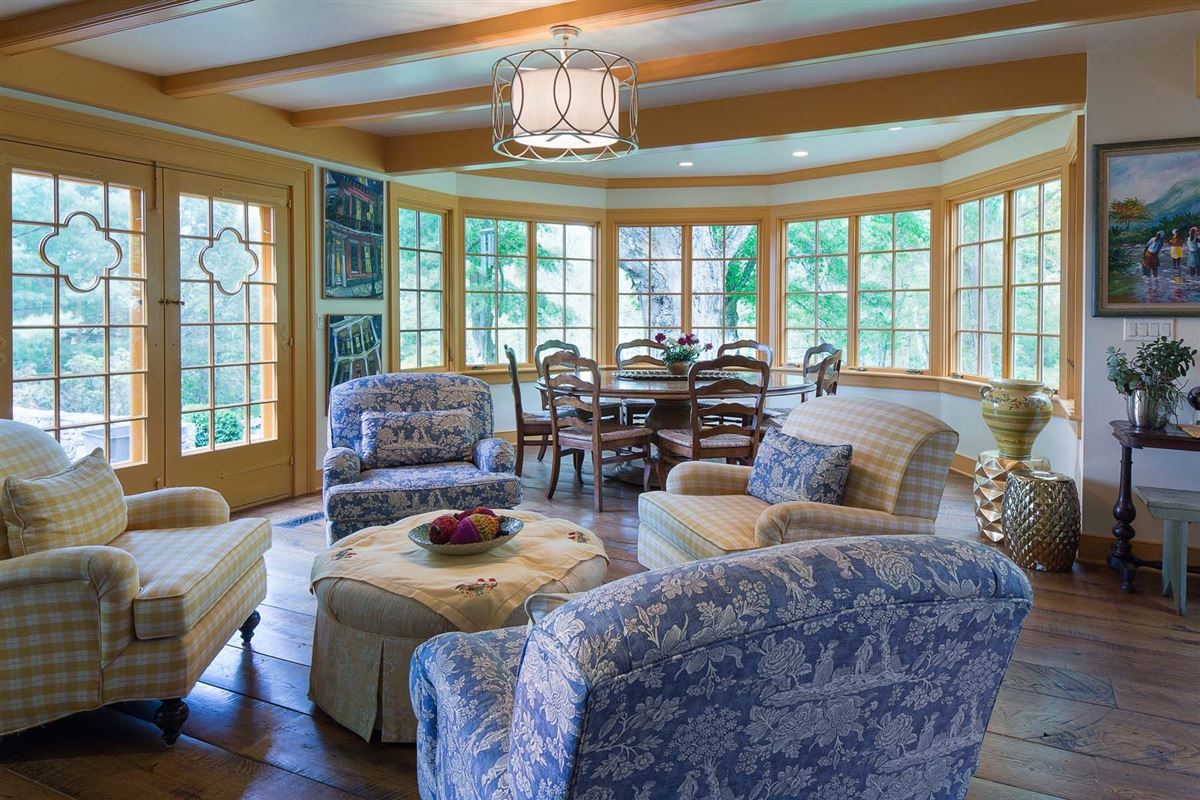 state of the art 1888 Federal-style home luxury real estate