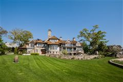 Lounge By The Pool In This High-End Home In Darien mansions