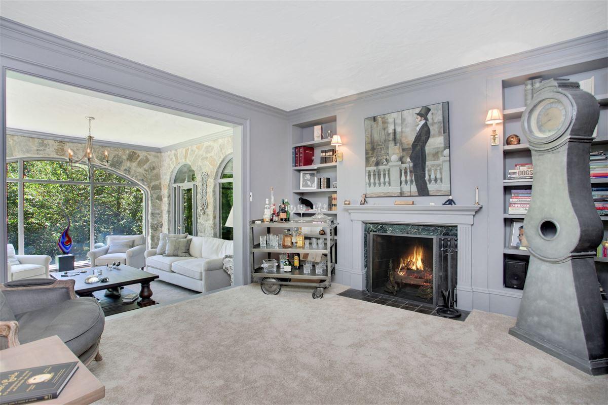 Luxury real estate English stone Manor