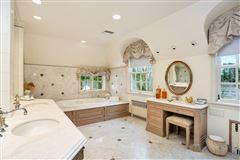 Luxury properties English stone Manor