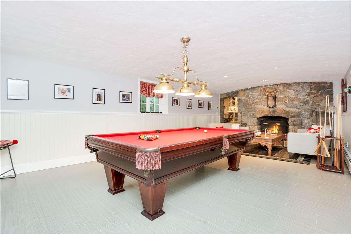 English stone Manor luxury real estate