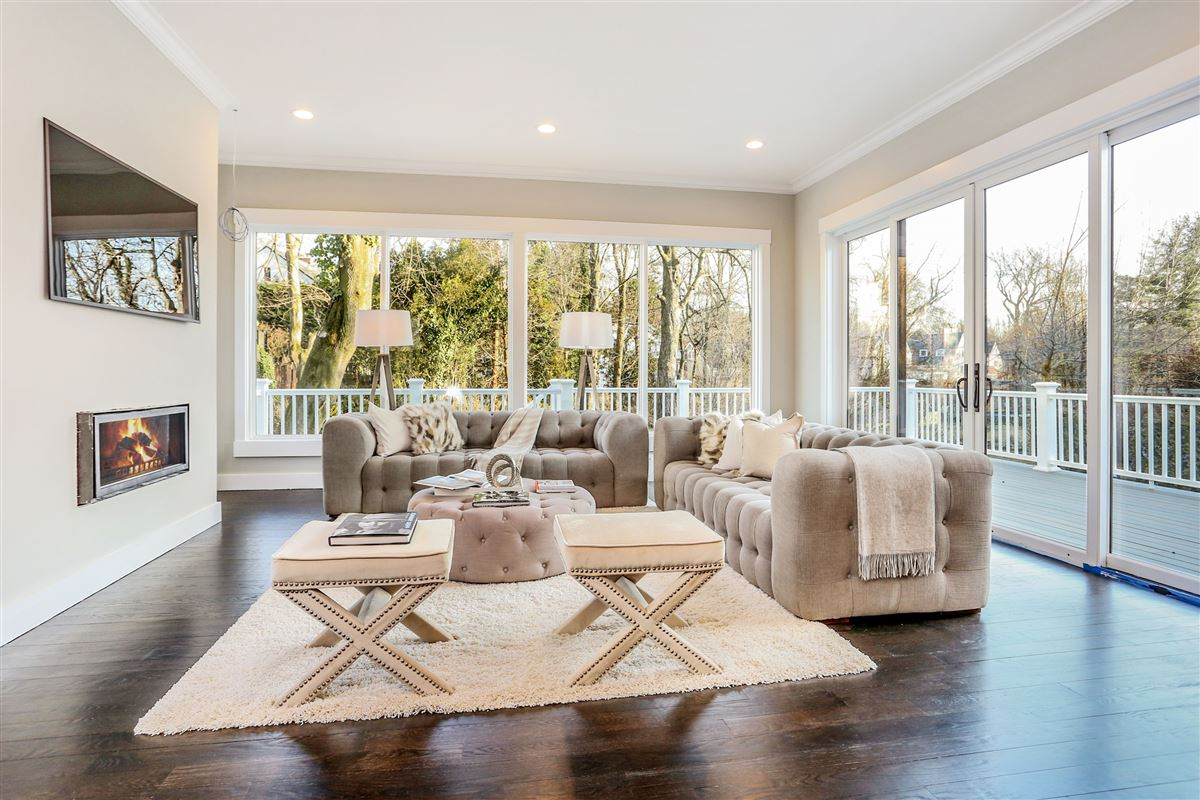 gorgeous brand new construction home on a private lot luxury homes