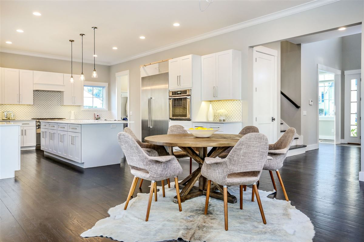 gorgeous brand new construction home on a private lot luxury real estate