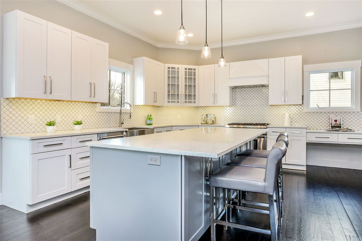 Mansions gorgeous brand new construction home on a private lot