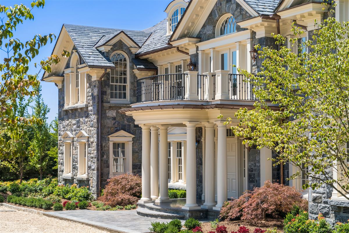 Mansions in magnificent stone manor