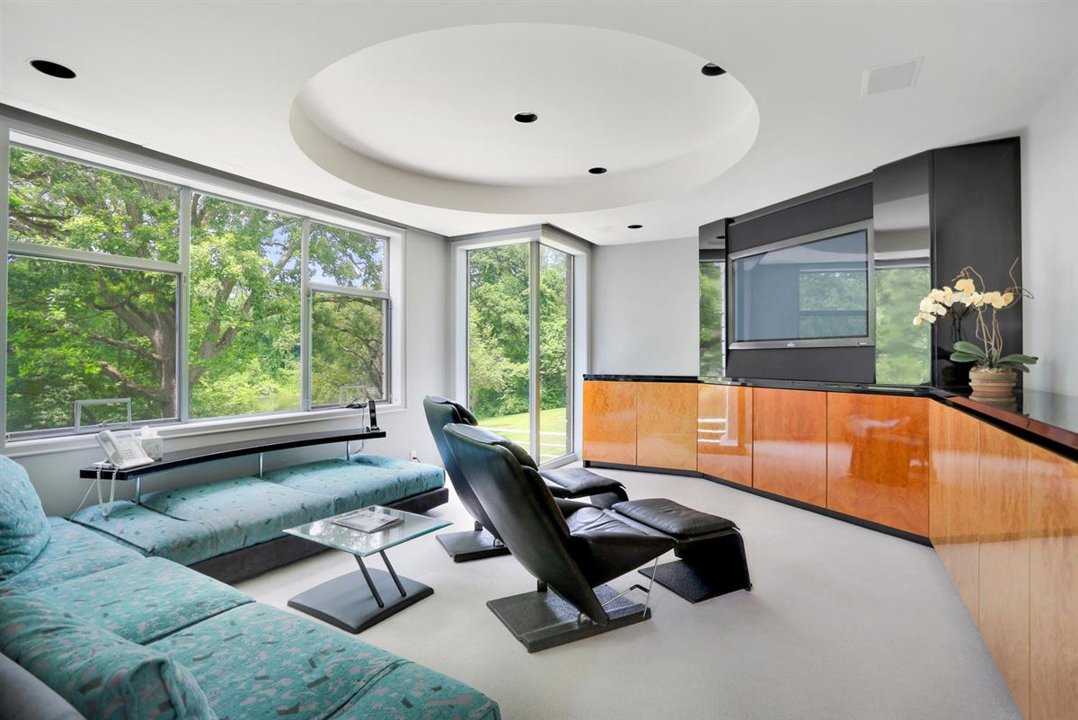 Luxury homes the Hamptons in Greenwich