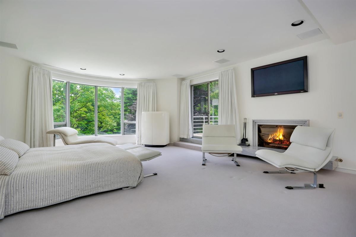 Luxury real estate the Hamptons in Greenwich