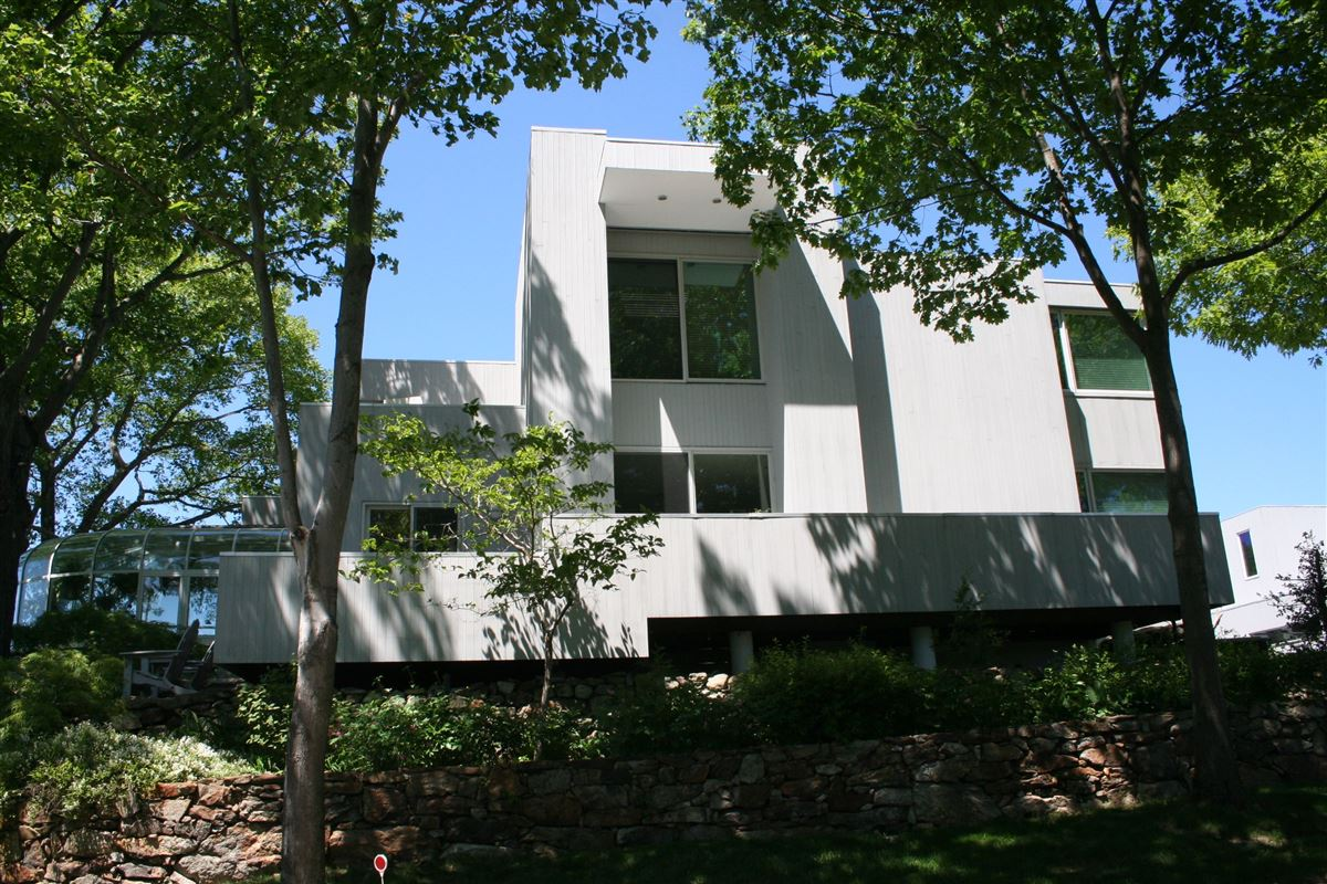 Mansions in modern architectural masterpiece atop 25 acres