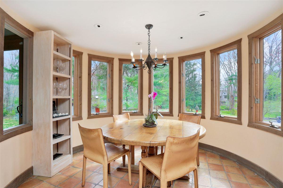 Enchanting four acre estate luxury properties