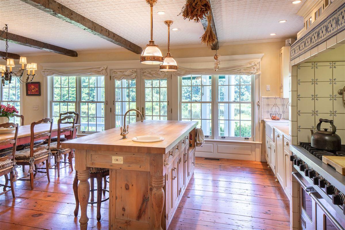 Luxury properties delightful 64 acre retreat in clinton