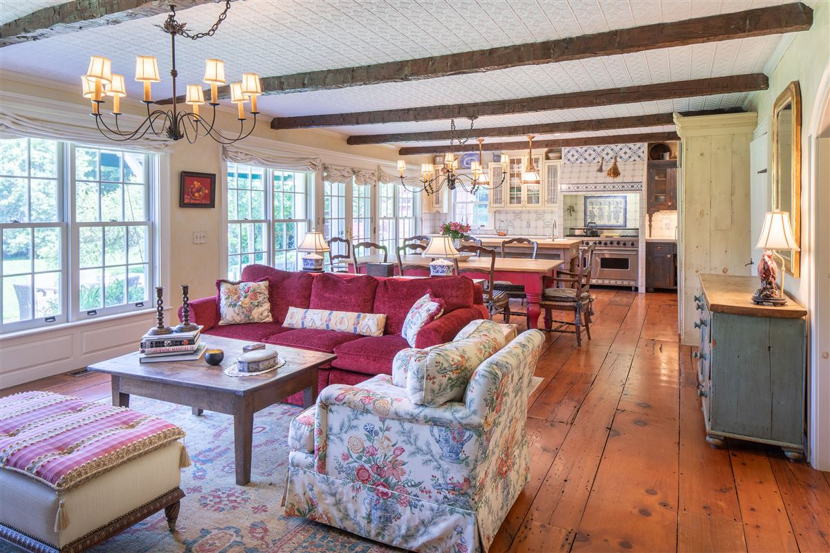 Mansions delightful 64 acre retreat in clinton