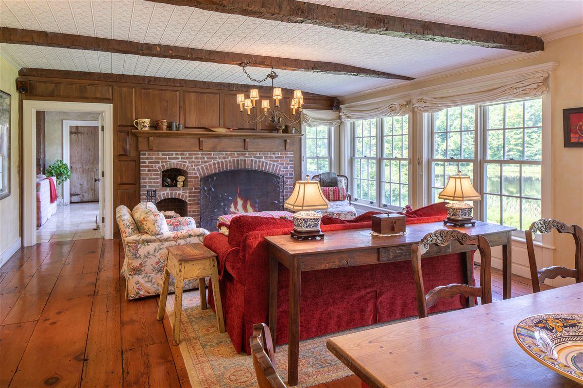 delightful 64 acre retreat in clinton mansions