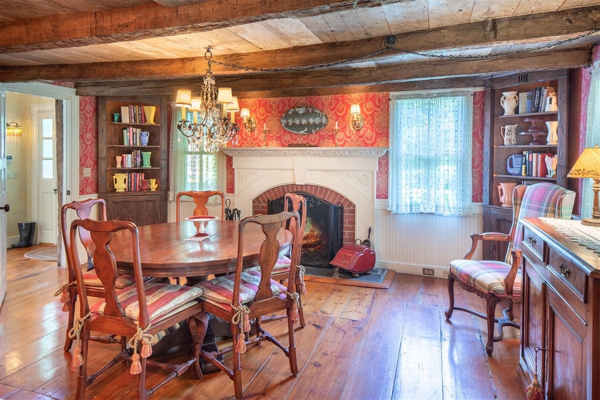 Luxury homes in delightful 64 acre retreat in clinton