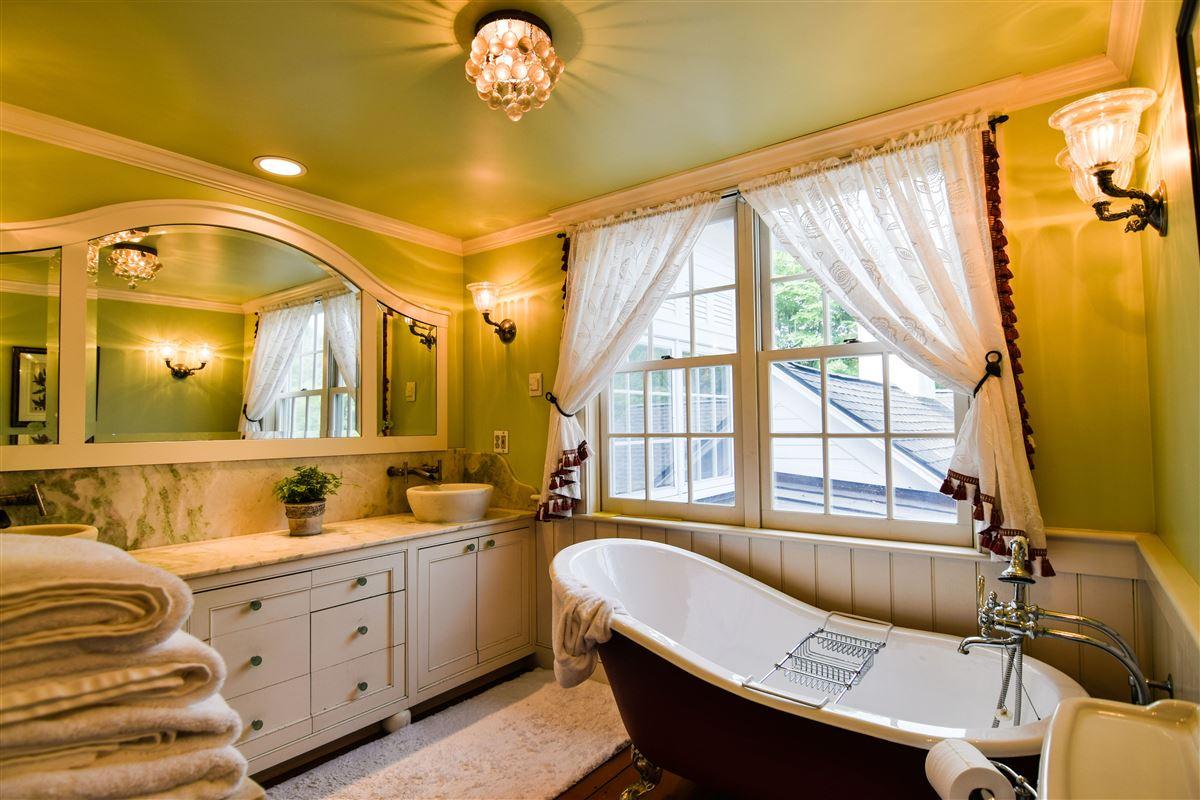 Luxury real estate delightful 64 acre retreat in clinton