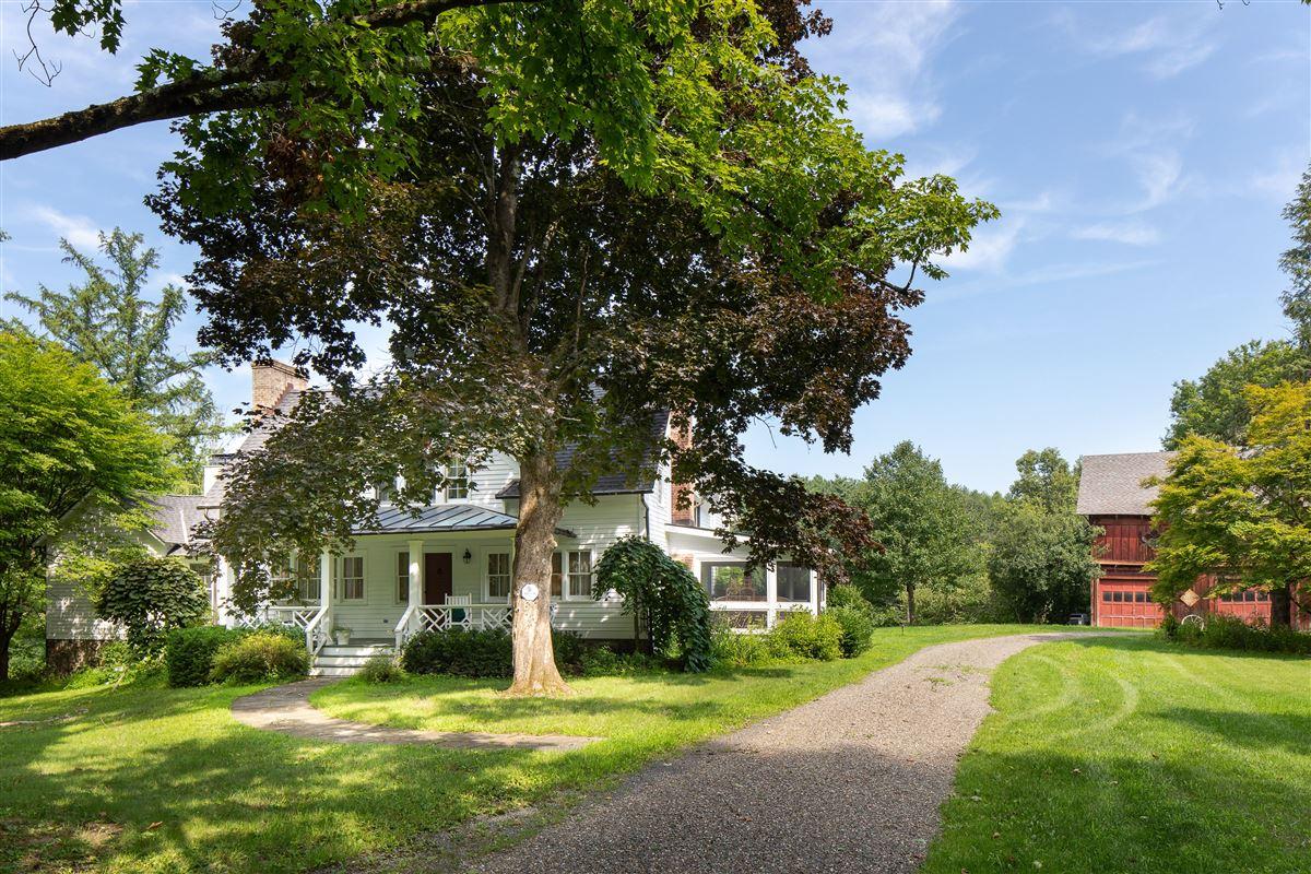 delightful 64 acre retreat in clinton luxury properties