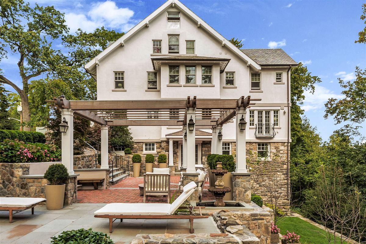 stunning manor home luxury properties