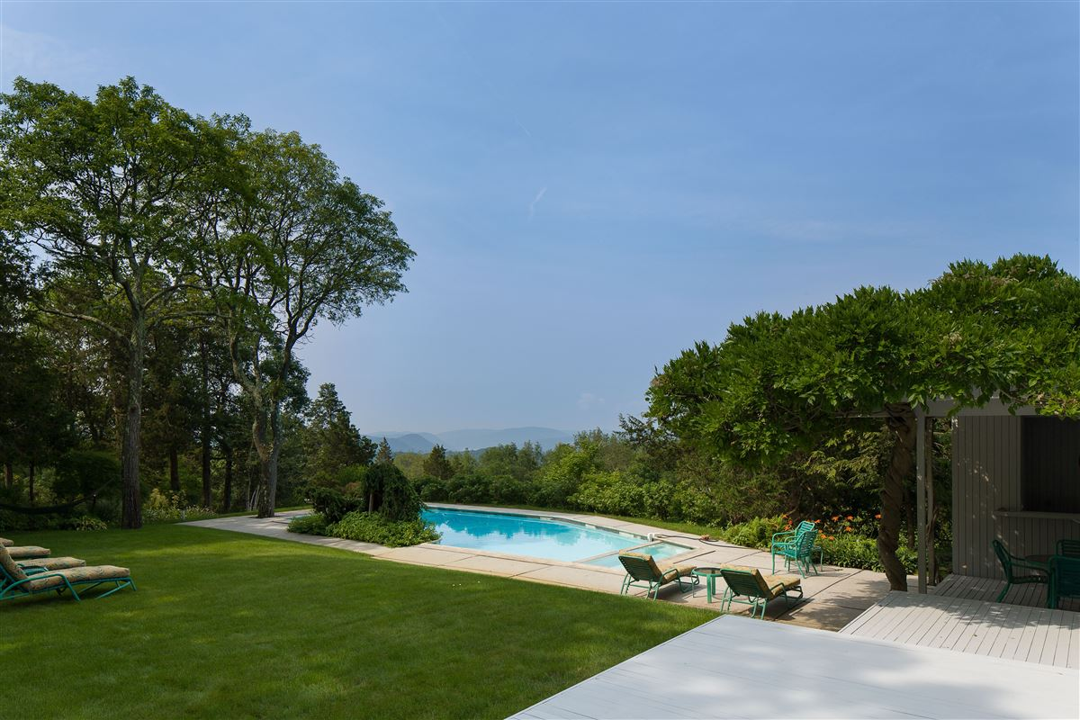 modern architectural masterpiece on 25 acres luxury real estate