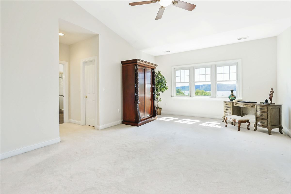 Luxury homes a riverfront unit at The Landing in Dobbs Ferry