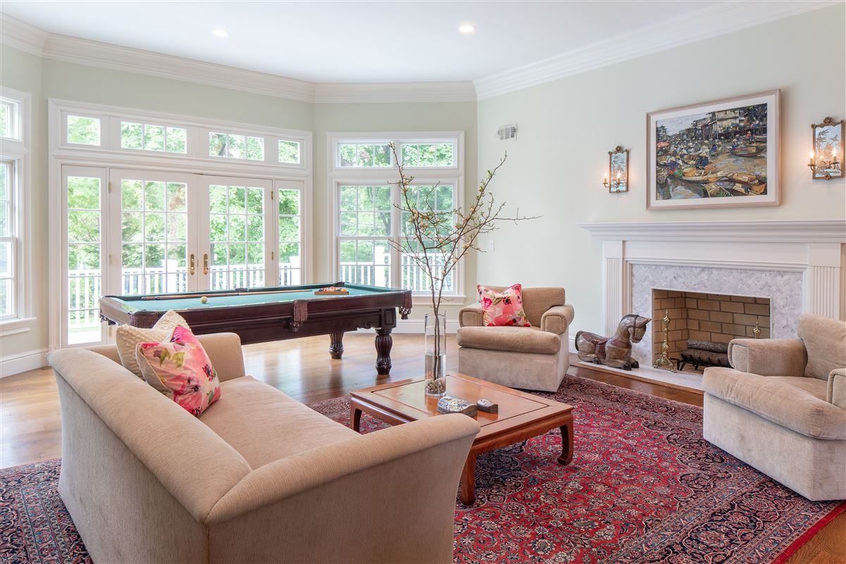 Luxury homes recently renovated spacious turnkey residence