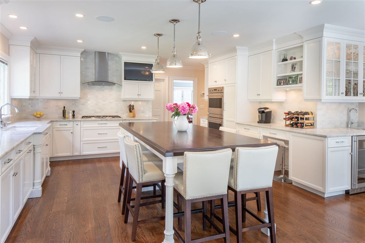 Luxury real estate recently renovated spacious turnkey residence