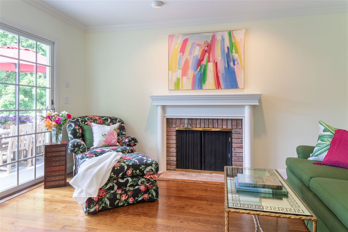 Luxury homes in recently renovated spacious turnkey residence