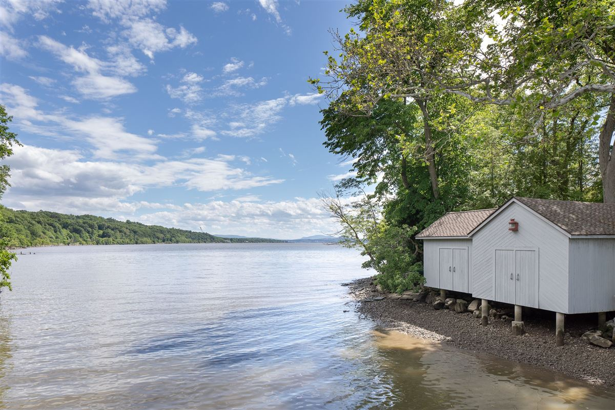 Luxury properties Privacy meets convenience on Rabbit Island