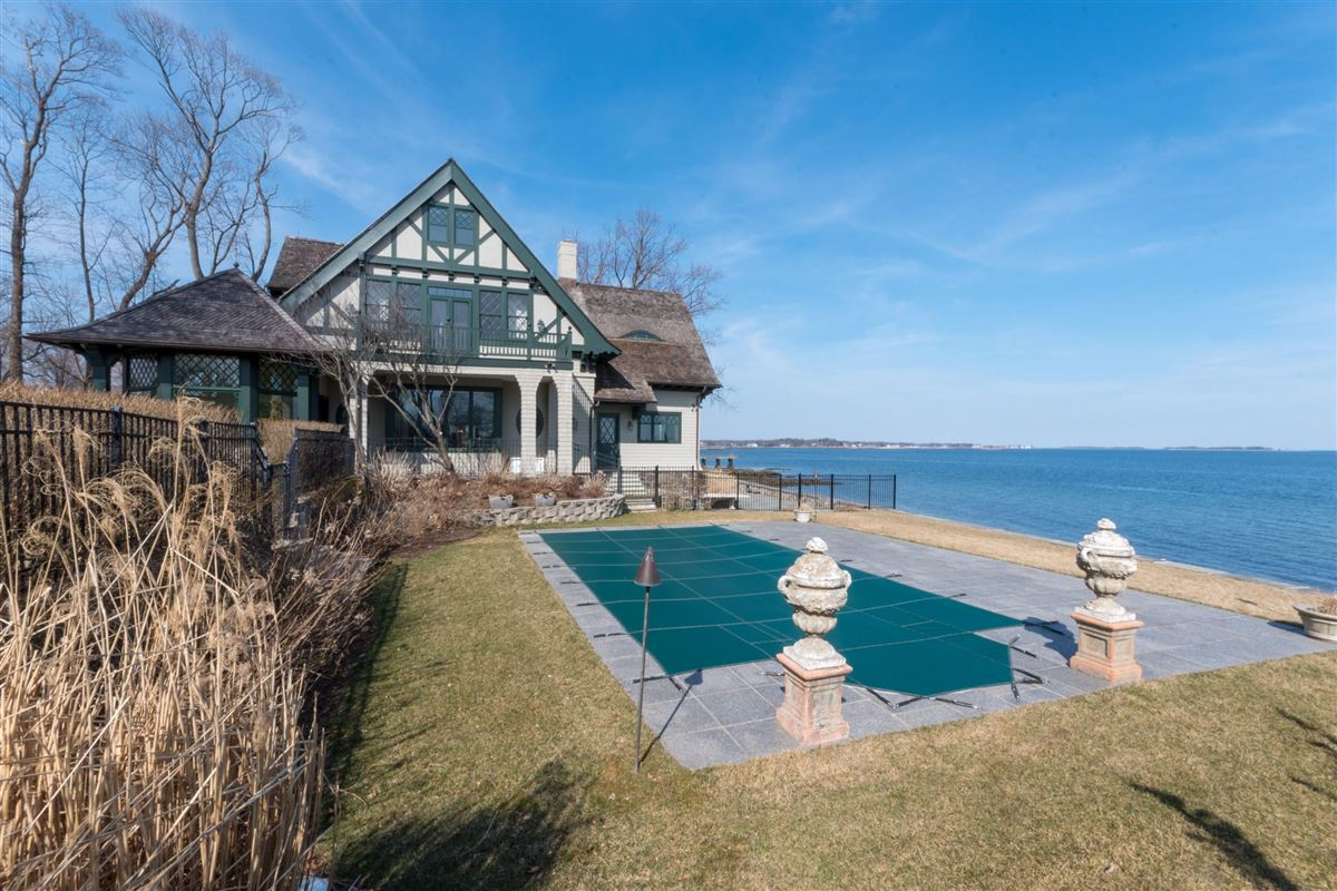 stunning waterside oasis luxury properties