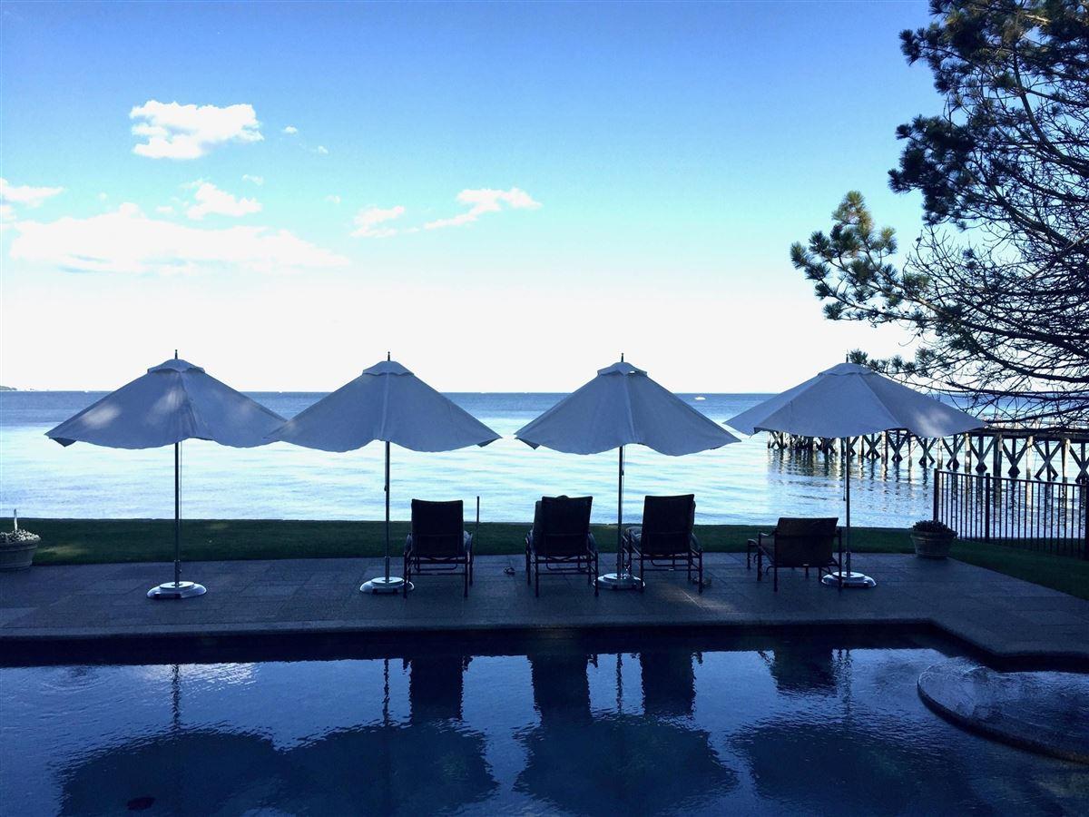 Luxury homes in stunning waterside oasis