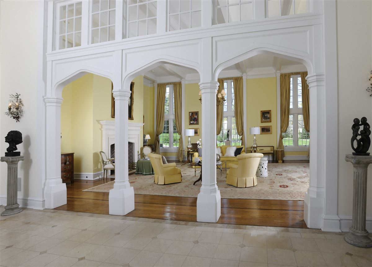 Luxury properties magnificent English Manor