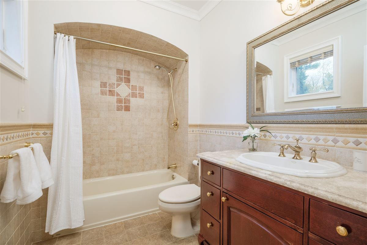 Recently updated colonial in scarsdale luxury real estate