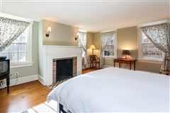 fully restored estate-worthy 1830s home luxury real estate