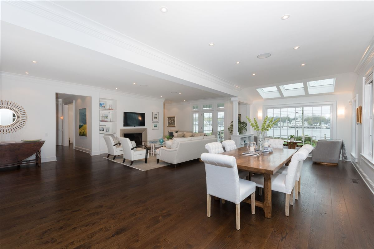 Luxury homes in coveted Five Mile River Road