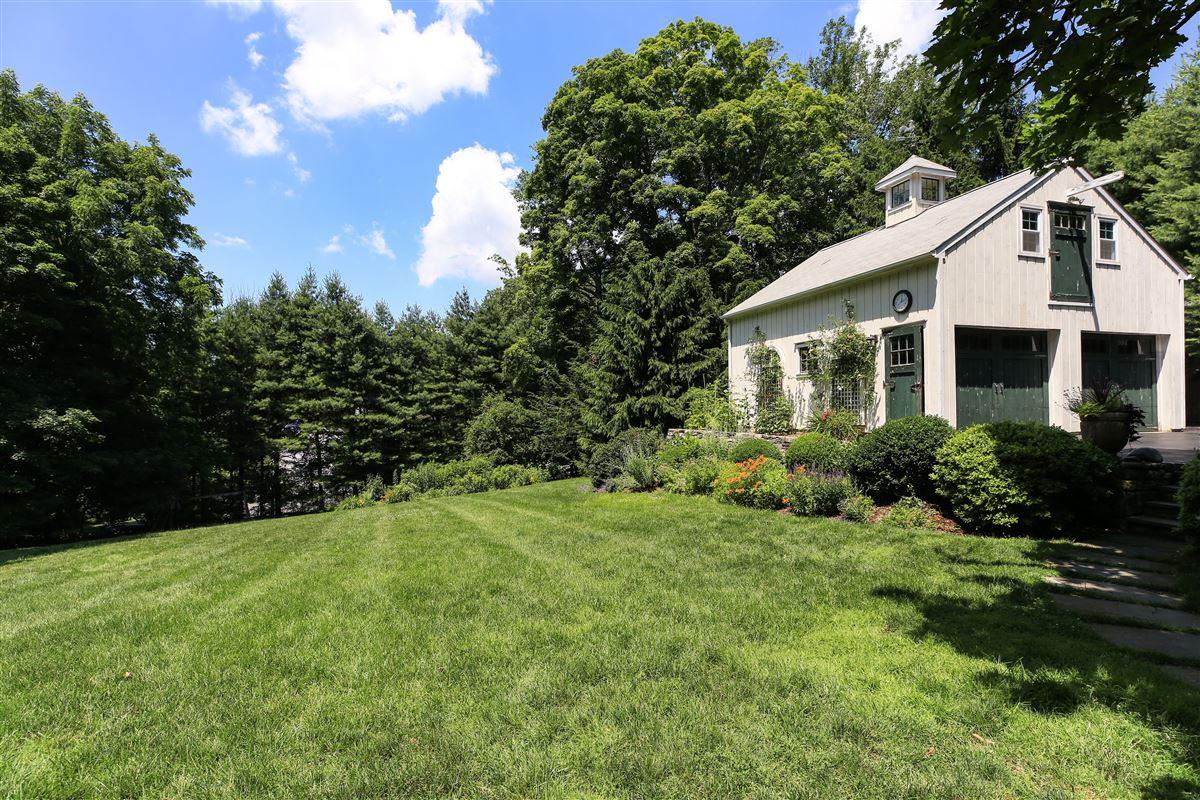 Luxury homes Stony Hollow Farm