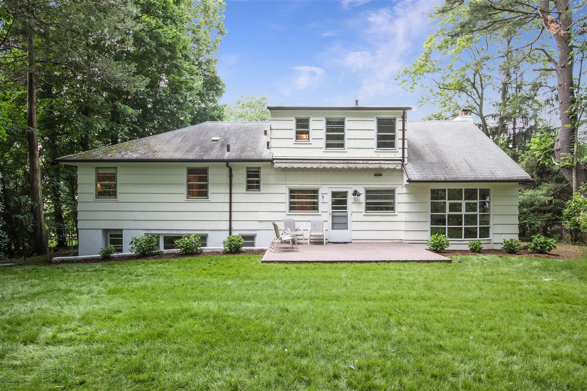A unique opportunity in scarsdale luxury properties