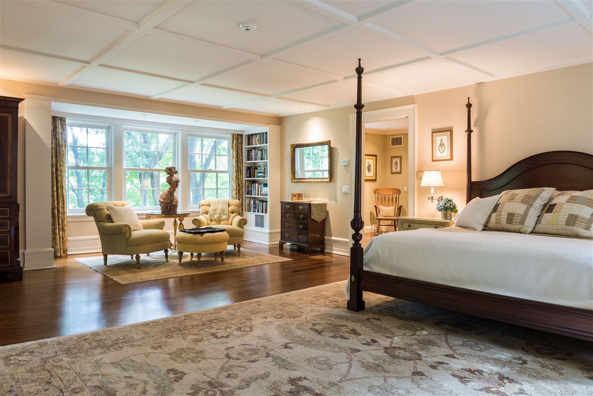Luxury homes meticulously restored and updated shingle country house