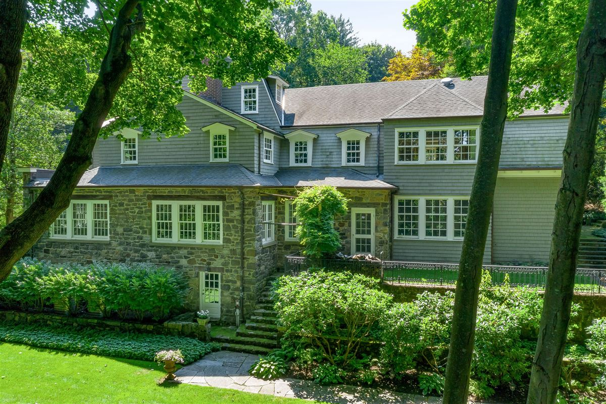 Luxury homes in meticulously restored and updated shingle country house