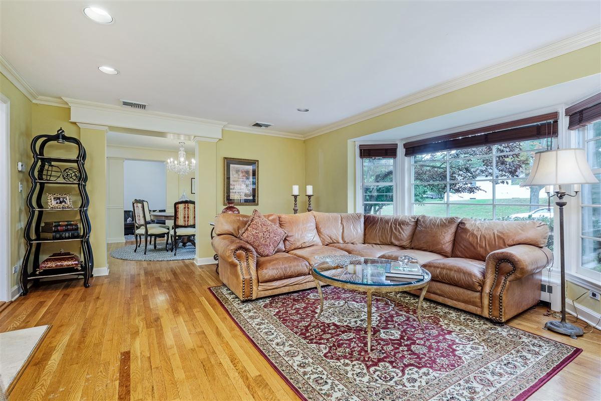 Luxury homes delightful home in the Pine Ridge Section of Rye Brook